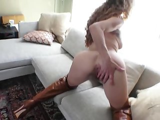 Finger fucking mommy is hot in brown leather boots