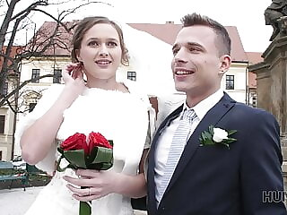 HUNT4K. Attractive Czech bride spends first night with man
