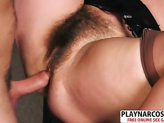 Mature mom with hairy cunt Elektra Lamour fucking in her ass