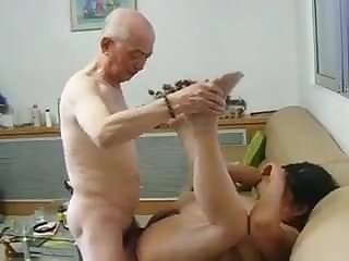 Chinese Granny Neighbour Gets Fucked by Chinese Grandpa