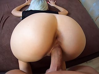 Big Dick Fuck Me in DoggyStyle! Sperm Flows Down My Back!