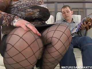Plump hot milf covets to sissy young guy and seduces him