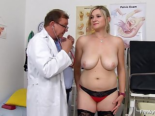 blondie with stockings gets snatch exam