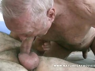 Daddy Barebacking His Chubby Friend