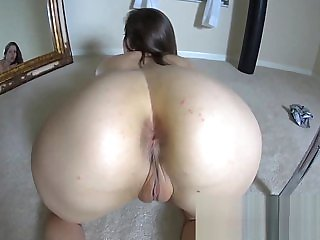 Lelu Love-Twerking My White Ass For Your Big Black Cock