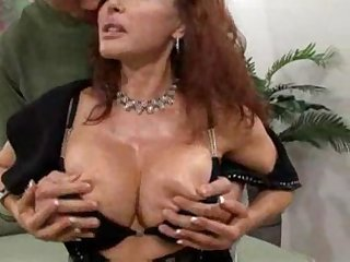 Latina milf sitting on a dick