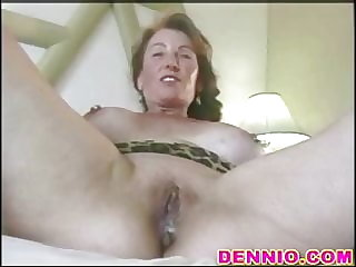 Mature creampie filled by strangers from the window