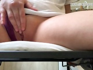 so horny I had to cum on my friends kitchen chair